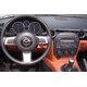 Mazda MX-5 (2005-2008) - interiér s OEM autorádiem